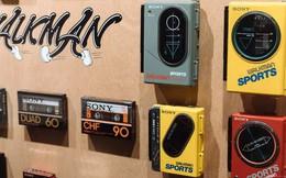 Tròn 40 năm ngày ra đời máy nghe nhạc Sony Walkman - huyền thoại mà giới trẻ 10x sẽ không bao giờ thấy lại