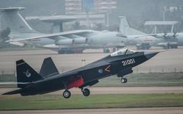 """""""Soi"""" lợi thế khủng của phi cơ chiến đấu Trung Quốc bị Mỹ ám chỉ bắt chước F-35"""
