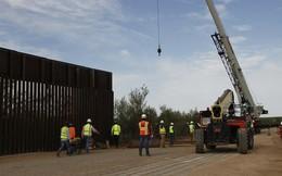 Mỹ hy sinh hàng trăm dự án quân sự vì bức tường biên giới