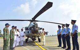 Ấn Độ đưa vào biên chế trực thăng tấn công Apache