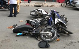 Bình Thạnh: Xe xịn lao vào nhiều xe máy, bốn người bị thương