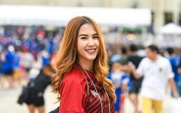 Bạn gái phóng viên xinh đẹp của ngôi sao trên hàng công ĐT Thái Lan