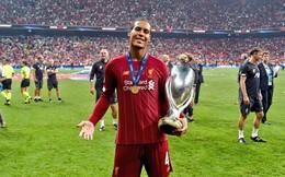 Van Dijk ký hợp đồng lương 'khủng' với Liverpool