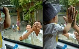 Hình ảnh ông bà ngoại bịn rịn chia tay cháu qua cửa kính xe khách làm nghẹn lòng phận con gái lấy chồng xa