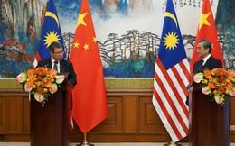 """Ngoại trưởng Malaysia gọi Ngoại trưởng Trung Quốc là """"anh trai"""""""