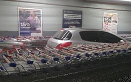 Nhân viên siêu thị tung chiêu trả đũa 'bá đạo' dằn mặt tài xế đỗ xe ẩu