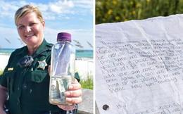 Nữ trung sĩ nhặt được chai thủy tinh chứa tro cốt và bức thư ý nghĩa bên trong khiến cộng đồng mạng rơi nước mắt