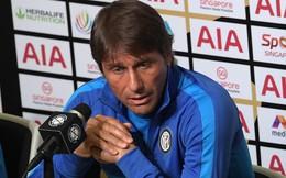 HLV Conte đứng ngồi không yên vì Lukaku