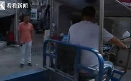 Đang đi chợ, người phụ nữ bất ngờ bị xe 3 gác tông trọng thương, sau khi cảnh sát đến nơi mới bất ngờ với 'kẻ gây tai nạn'