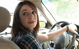 Kinh nghiệm lùi xe ô tô đúng cách và an toàn