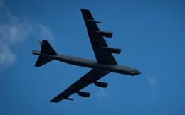 """""""Pháo đài bay"""" B-52 sẽ chinh chiến trong quân đội Mỹ 100 năm"""