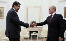 Ông Maduro tặng gươm cho Tổng thống Putin