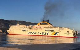 Hy Lạp: Cháy phà chở hơn 600 người cùng hàng trăm phương tiện