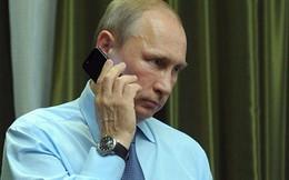 """Điện Kremlin bình luận về thông tin ông Putin sở hữu điện thoại bí mật có kích cỡ """"siêu dày"""""""