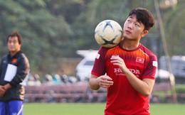 Xuân Trường, Văn Thanh không hổ danh là 'những nghệ sĩ sân cỏ' với màn tâng bóng đầy ấn tượng trong buổi tập của đội tuyển Việt Nam