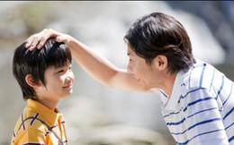 """Con trai hỏi """"Bố ơi, tại sao bố lại nằm trên người mẹ?"""", câu trả lời của bố được hưởng ứng nhiệt liệt"""