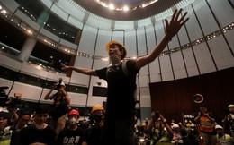 Hong Kong sơ tán tất cả nhân viên khỏi trụ sở Hội đồng Lập pháp