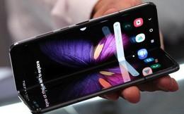 """Báo Hàn: Samsung thì liên tục sáng tạo smartphone mới còn Apple chỉ """"cố gắng"""" nâng cấp iPhone?"""