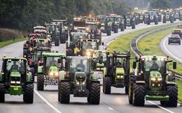 Nông dân lái hơn 10.000 máy kéo tràn xuống đường biểu tình ở Hà Lan