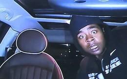 Biểu cảm hết hồn của thanh niên trộm xe khi phát hiện đang bị camera ghi hình khiến dân mạng không nhịn được cười
