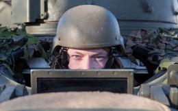 """NATO """"thử"""" lính bằng cách đóng giả phụ nữ, """"gạ"""" đi hẹn hò"""