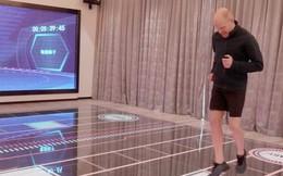 Ngợp mắt với 'khách sạn tương lai' của ông trùm hàng đầu Trung Quốc, tràn ngập robot và công nghệ đầy nhà