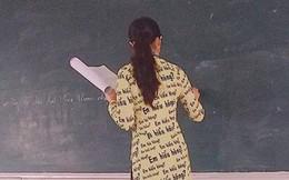 """Cô giáo đứng lớp bá đạo với bộ áo dài """"Em hiểu hông?"""", ai nhìn vào cũng muốn may tặng giáo viên mình một bộ y chang"""
