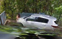'Mây mưa' trên đường vắng bị xe Google chụp lại, cặp đôi lập tức khiến Internet đánh giá 5 sao
