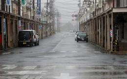 Siêu bão khủng khiếp sắp đổ bộ, Nhật Bản khuyên hàng trăm ngàn người sơ tán