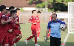 Đội tuyển Việt Nam nghỉ tập, ông Park nghiên cứu Indonesia