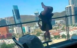 Chuyên gia yoga làm động tác mạo hiểm vắt vẻo trên ban công rồi ngã lộn cổ xuống đất suýt mất mạng và trải nghiệm ai cũng cần cẩn trọng