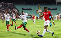 Tấn công hủy diệt, Anh vùi dập Bulgaria 6 bàn không gỡ