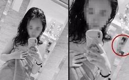 """Đăng ảnh """"tự sướng"""" trong nhà tắm công cộng, cô gái bị cộng đồng mạng lên án vì chi tiết gây phẫn nộ này"""