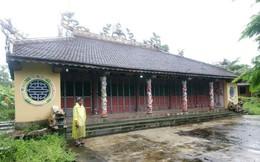 Đình làng 700 năm tuổi bị phá cửa lấy cắp cổ vật