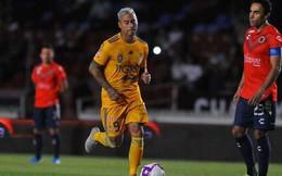 CLB Mexico tái hiện 'trò hề' V-League: Cả đội đứng im nhường đối thủ ghi bàn