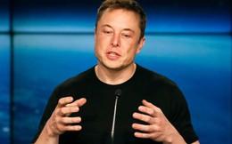 Tỷ phú Elon Musk thường xuyên đập bỏ smartphone và thay mới, vì lo sợ vấn đề bảo mật