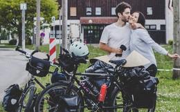 """Cung đường tình yêu """"đạp xe từ nhà anh về nhà em"""" của chàng trai Pháp và cô gái Việt: 6 tháng đi qua 12 nước, chồng vừa ngỏ lời vợ đồng ý """"cái rụp"""""""