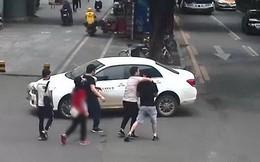 """Bạn trai đột ngột bị 3 người đến bắt đi không lý do, cô gái báo cảnh sát mới phát hiện bộ mặt thật của """"chồng tương lai"""""""