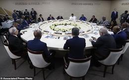 Tung máy bay ném bom đến vùng đất mới, ông Putin lại cao tay lấn át cả Mỹ, Trung Quốc?