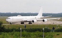 """Máy bay """"Ngày tận thế"""" của Mỹ phải hạ cánh khẩn cấp vì…chim"""