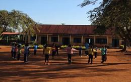 Huy động học sinh đóng tiền xây dựng để được công nhận nông thôn mới