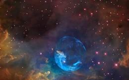 Hình ảnh tuyệt đẹp về quả bong bóng trôi nổi trong không gian