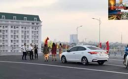 Người dân vô tư đỗ xe 'check in' trên cây cầu hiện đại nhất Hải Phòng