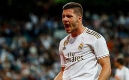 Tân binh đắt giá cuối cùng cũng chịu 'nổ súng', Real Madrid vùi dập đối thủ để áp sát ngôi đầu của Barcelona