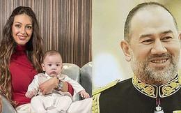 Người đẹp Nga lần đầu công khai ảnh cận mặt con trai, giống cựu vương Malaysia như hai giọt nước