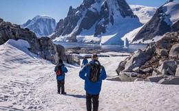 Nam Cực đang trở thành điểm du lịch hút khách mới trong tương lai, nghe thì vui nhưng đó lại là 1 dấu hiệu đáng buồn cho Trái Đất
