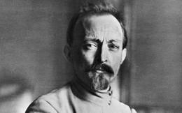 Felix 'sắt đá' khai nghiệp KGB