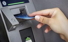 Cảnh báo: 3 nguy cơ luôn rình rập khi để tiền trong thẻ ATM ai cũng cần biết