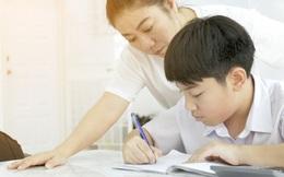 Dạy con làm bài tập về nhà mãi mà đứa trẻ không hiểu, bà mẹ lên cơn đau tim suýt mất mạng
