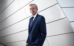 Giàu hơn tỉ phú Bill Gates, ông chủ LVMH nhiều tiền đến mức nào?